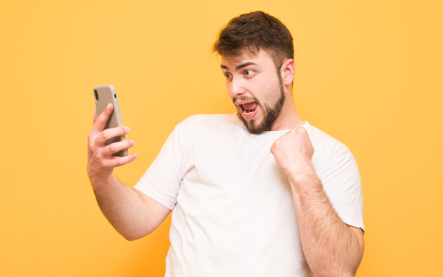 Смартфон мой – враг мой? Современный феномен «текстовая шея» | Amrita