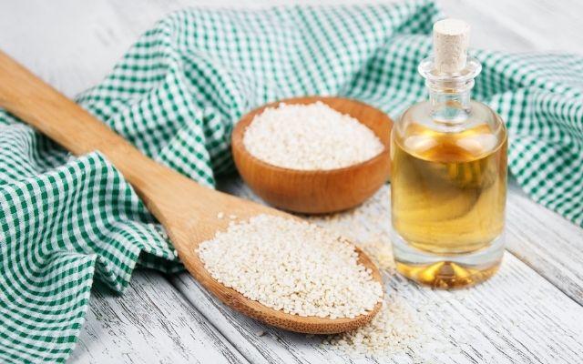 Масло кунжута для организма: польза и вред | Amrita