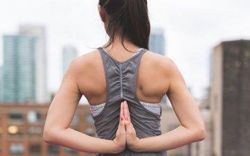 Рівна постава: як зберегти здоров'я спини? | Amrita