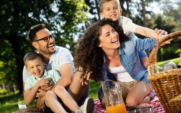 Як організувати ідеальний сімейний пікнік без неприємних наслідків | Amrita