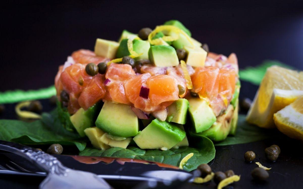 Салат з продуктів, що містять біотин