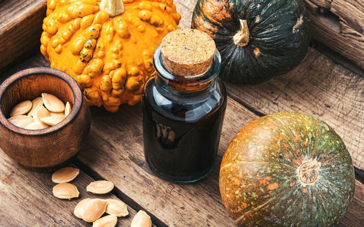 Тыквенное масло, семечки и тыквы