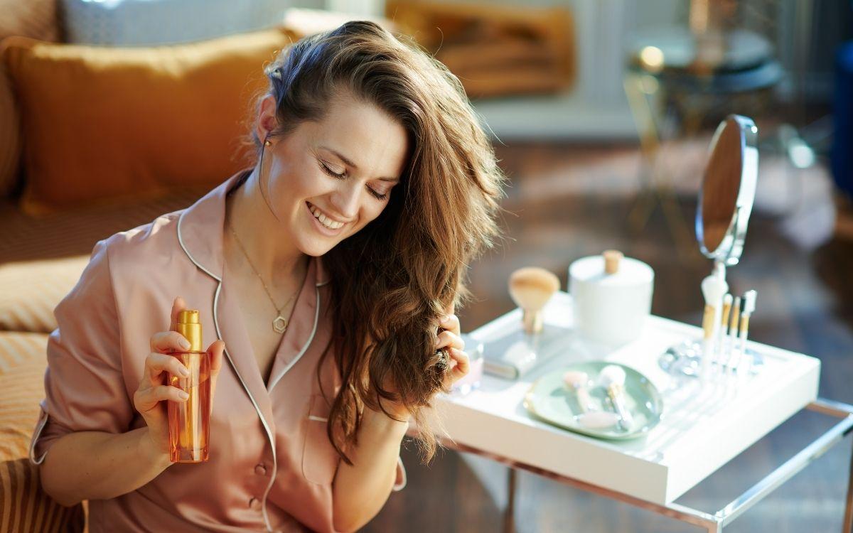 Девушка с тыквенным маслом для красоты
